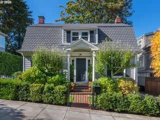 2315 SW 16th Ave, Portland, OR 97201