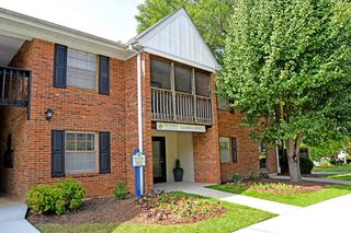 402H E Montcastle Dr, Greensboro, NC 27406