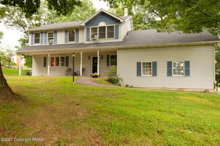 5 Gilliland Dr, East Stroudsburg, PA 18301