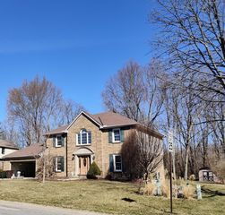 8250 Glenhaven Ct, West Chester, OH 45241