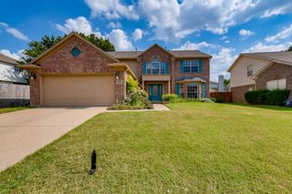 5428 Crater Lake Dr, Fort Worth, TX 76137