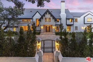 910 N Rexford Dr, Beverly Hills, CA 90210
