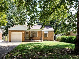 2338 S Chautauqua Ave, Wichita, KS 67211