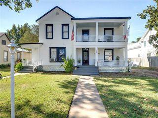 305 Ramona St, Smithville, TX 78957