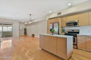 5016 Bakman Ave #405, North Hollywood, CA 91601