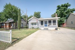 919 Hartsdale Dr, Dallas, TX 75211