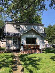 610 Brittain Rd, Akron, OH 44305