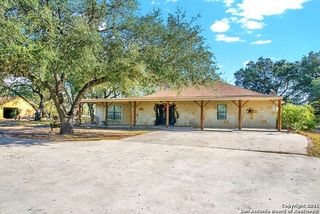 217 W Ridgeway, Somerset, TX 78069