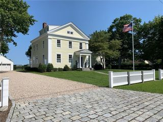 48 Cromwell Pl, Old Saybrook, CT 06475