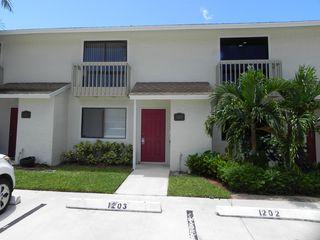 1202 Riverside Dr, Lake Worth, FL 33463