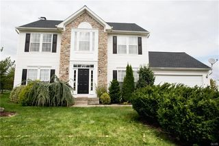 6840 Sunflower Ln, Macungie, PA 18062