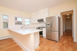 3 Commonwealth Ave #B, Gloucester, MA 01930