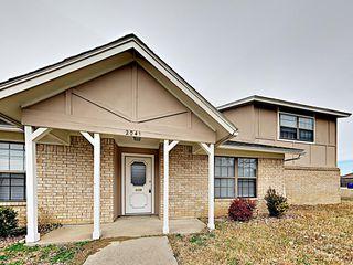2041 Oakbluff Cir, Carrollton, TX 75007