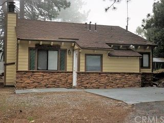 26589 Lakeview Dr, Rimforest, CA 92378