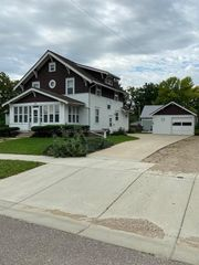 108 4th St E, Canby, MN 56220