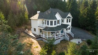 1055 Spring Valley Rd, Troy, ID 83871