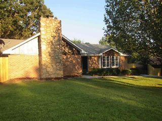903 Longwood Pl, Clinton, MS 39056