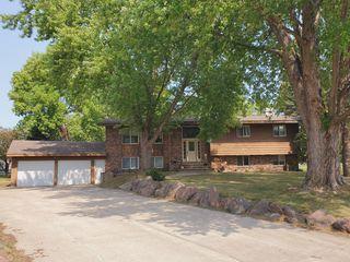 269 Park Cir, Cottonwood, MN 56229