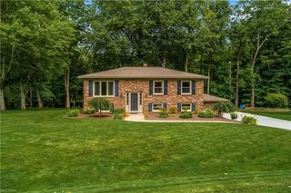 8780 Wonderland Ave NW, Clinton, OH 44216