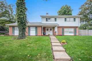 5023 Craig Rd, South Bend, IN 46614