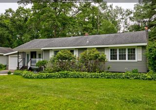 92 Meadowbrook Rd, Saratoga Springs, NY 12866