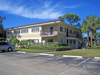 920 Rich Dr, Deerfield Beach, FL 33441