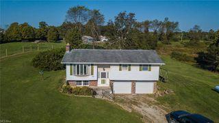 56065 Woodrow Ln, Cumberland, OH 43732