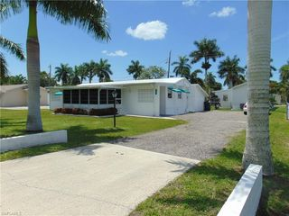 12091 Palm Dr, Fort Myers, FL 33908