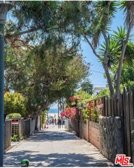 23 Sunset Ave, Venice, CA 90291