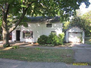 50 N Cedar St, Cedarville, IL 61013