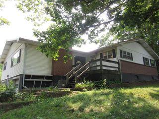 105 Lloyd St, Ellington, MO 63638