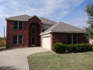 211 Cobblestone Cir, Red Oak, TX 75154