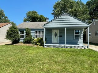 1117 Orchard Heights Dr, Mayfield Heights, OH 44124