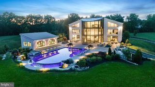 1245 S Creek Rd, West Chester, PA 19382
