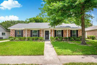 9418 Meadowcroft Dr, Houston, TX 77063