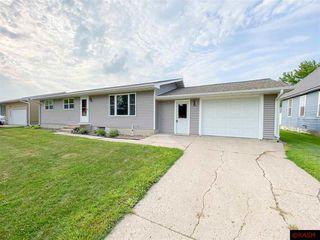 414 W 2nd St, Winthrop, MN 55396