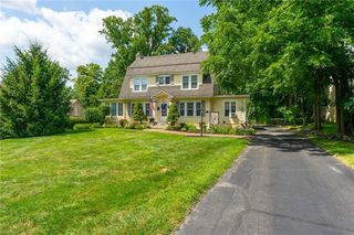 44 Forest Hill Rd, Youngstown, OH 44512