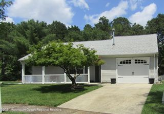 4 Wales Ct, Forked River, NJ 08731