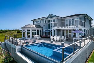 167 Dune Rd, Quogue, NY 11959