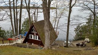 8 Water Edge Rd, Keeseville, NY 12944