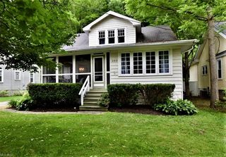 292 Miles Rd, Chagrin Falls, OH 44022