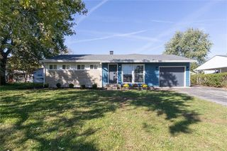 4202 Standish Dr, Indianapolis, IN 46221