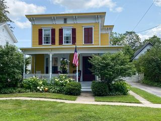 19 Delaware St, Cooperstown, NY 13326