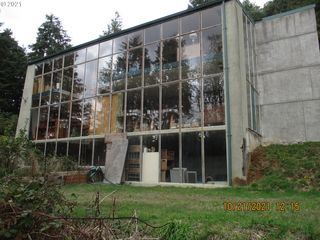 61662 Edwards Mill Rd, Coos Bay, OR 97420