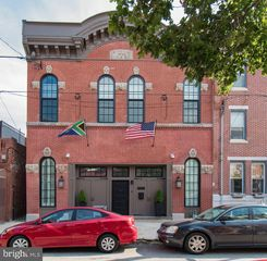 808 Morris St, Philadelphia, PA 19148