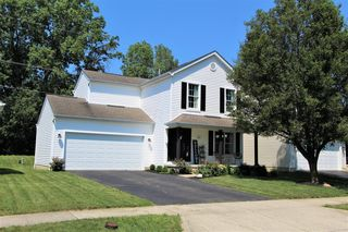 8641 Smokey Hollow Dr, Lewis Center, OH 43035