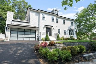 21 Louise Rd #21, Chestnut Hill, MA 02467