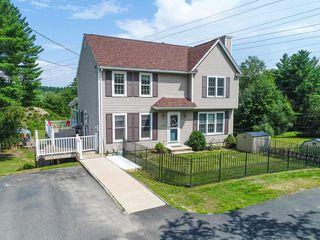 135 Highland St, Hudson, NH 03051