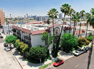 102 S Manhattan Pl #106, Los Angeles, CA 90004