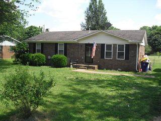 909 Mimosa Ln, Russellville, KY 42276